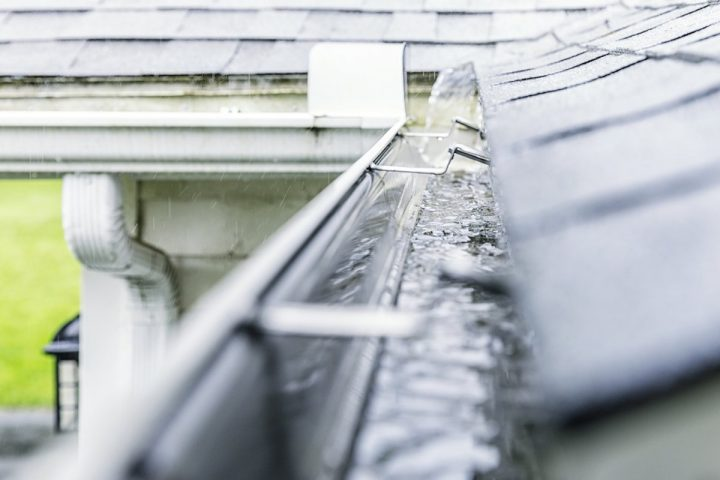 Four reasons to clean your gutter frequently